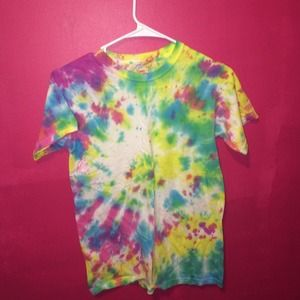 Tops - rainbow tie dye t-shirt
