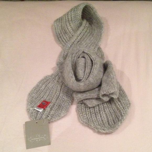 71147aabd5c Anthropologie  San Diego Hat Co. Grey Knit Scarf