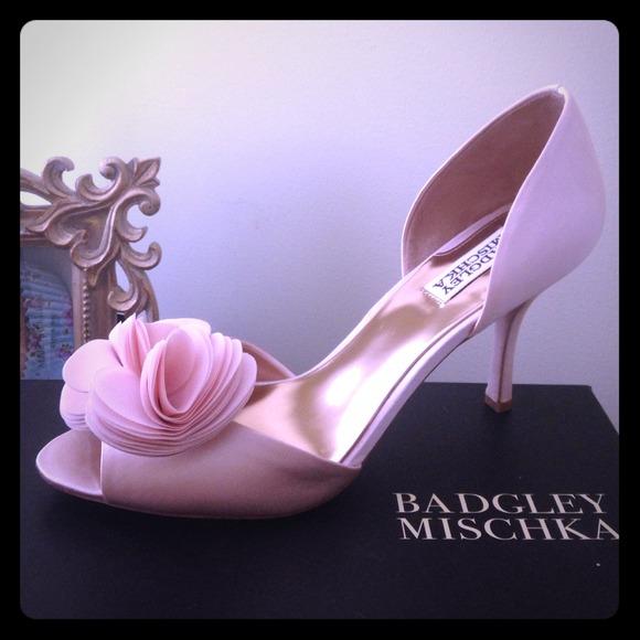 71372568f8ff Badgley Mischka Thora heel in pink satin
