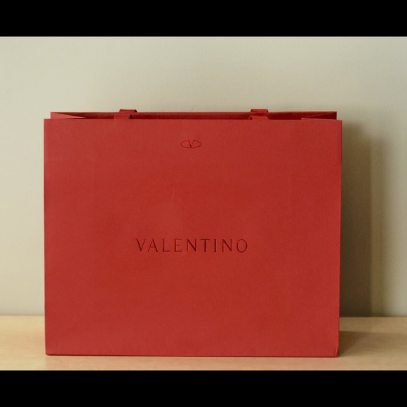 Valentino red paper shopping bag mint condition. M 5454710ce84b0361f001f0c3 d955c6a8bf1