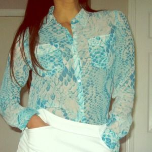 Andrew Charles Aqua snakeskin button up top size S