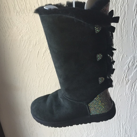 tall ugg boots with bows on the back