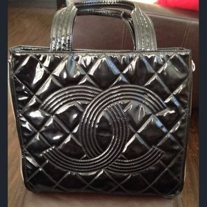 100% Auth Black Chanel Tote !!