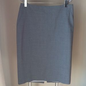 Banana Republic Size 2 Grey Pencil Skirt