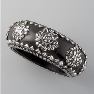 Devon Leigh Black Resin Bangle w/ Silver details.