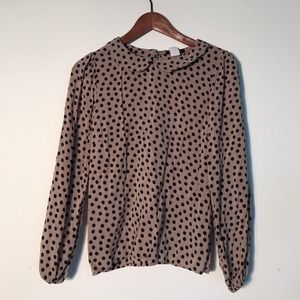 Tops - Polka dot top with Peter Pan collar size small