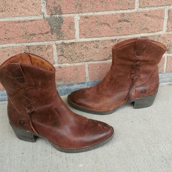 58cfa4fcca57 Born Shoes - Born womens boots size 7.5 used leather upper