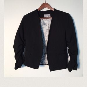 H&M Jackets & Blazers - Cropped 3/4 sleeve black blazer
