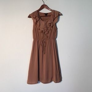 H&M Dresses & Skirts - Neutral ruffle front dress size 6
