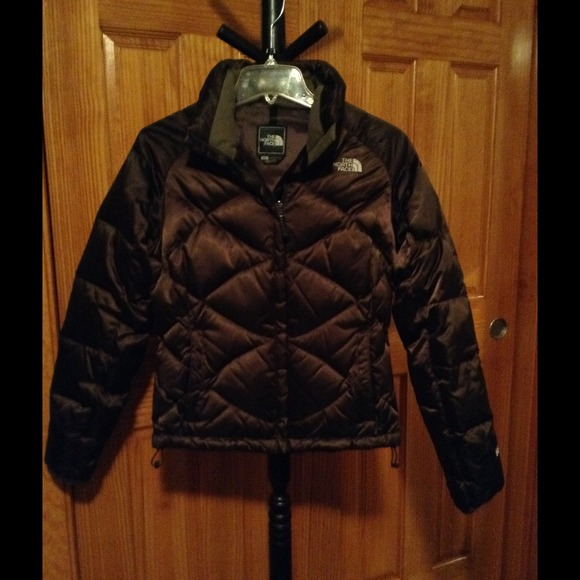 6b727fdca NORTH FACE brown puffer jacket