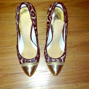 Michael kors cheetah pumps