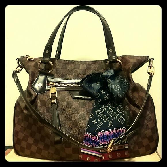 0befadfe0 Louis Vuitton Handbags - Louis Vuitton Evora MM !