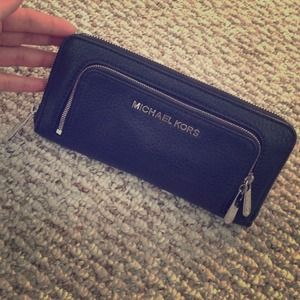ORIGINAL MICHAEL KORS WALLET