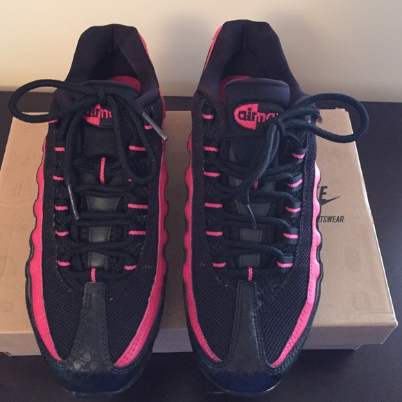 Nike Air Max 95 Negro Lápiz Labial Púrpura KUKlxKURZP