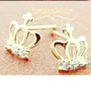Jewelry - NWT Gold Crown Stud Earrings
