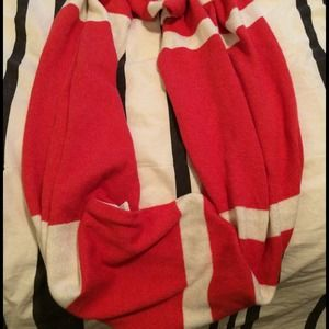 Red and white color block infinity scarf