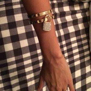 Jewelry - Lock bracelet cuff