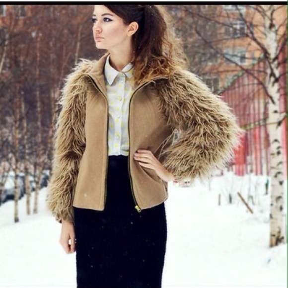 Coat With Fur Sleeves
