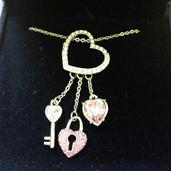 e2a580c210014 Swarovski Pink Heart Lock Pendant NWT