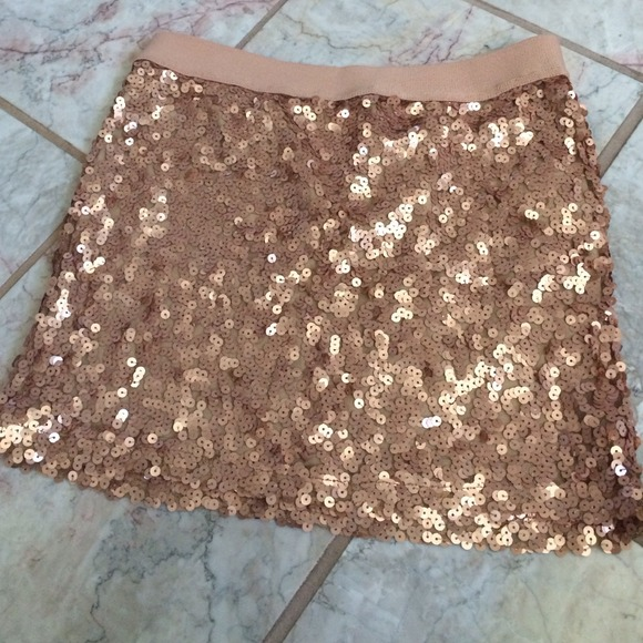 Forever 21 Gold Bling Holiday Sequin Mini Skirt
