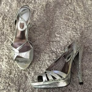 Charles by Charles David • silver sandals