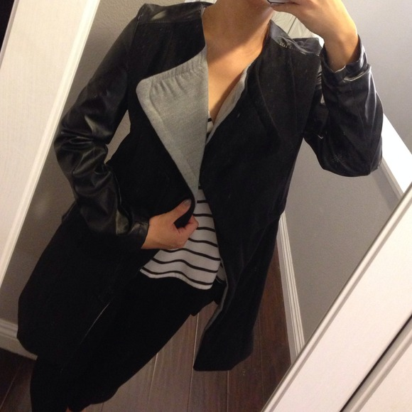 Outerwear - Leather sleeves coat