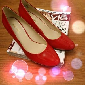 Red paten wedges