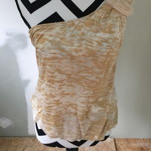 Great neutral top!