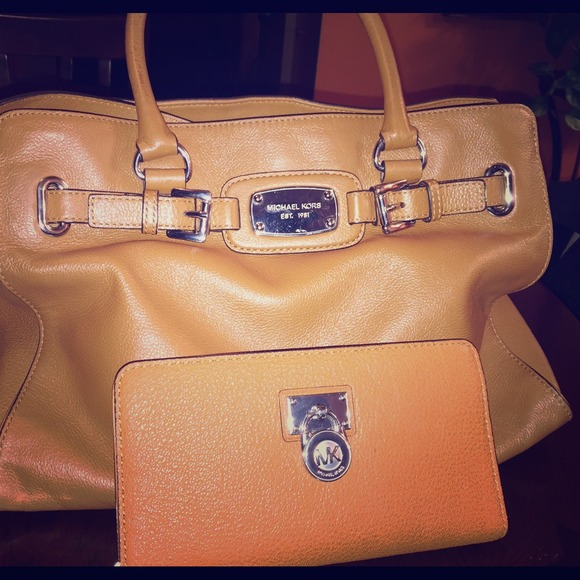 be2fa31fc907bb michael kors handbags with silver hardware san marcos outlet mall ...