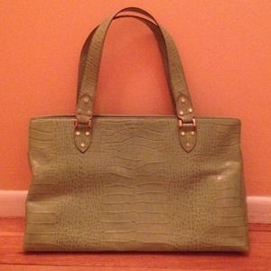 SALE! $50 off!! Authentic Kate Spade tote