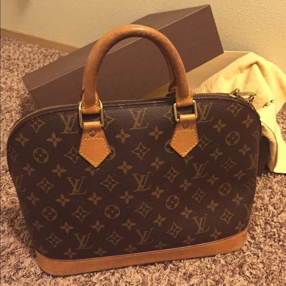 73 off louis vuitton handbags louis vuitton alma pm for Louis vuitton miroir alma bag price