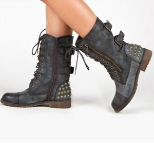NEW Gorgeous Charcoal Rustic Brown Combat Boots❤️
