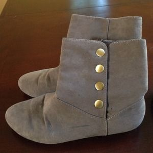 Chinese laundry taupe suede bootie 7.5