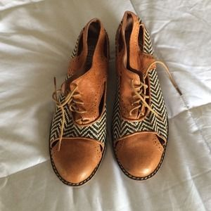 Jeffrey Campbell Oxfords!