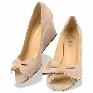 Butter NUDE Peep Toe Wedge