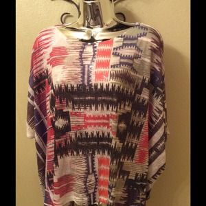 🎉SALE🎉 NWOT Equipe Graphic Purple Top