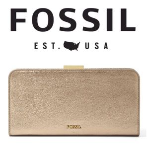 ‼️1/2 Price‼️Fossil Metallic Leather Clutch