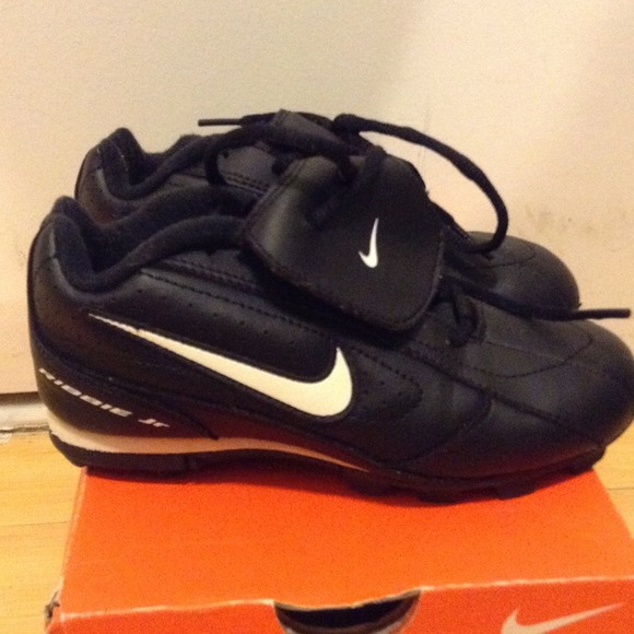 Authentic NIKE RIBBIE Jr. Baseball Cleats size 13c