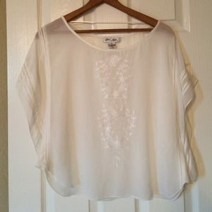Ultra Pink Tops - Pretty white blouse