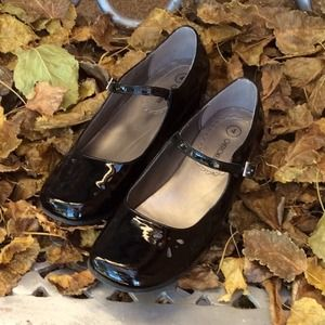 💰$5 IF BUNDLED💰Cute Patent Leather Mary Janes