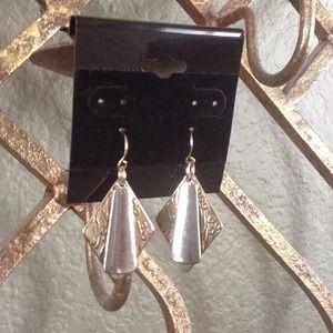Jewelry - Beautiful Detailed Earrings
