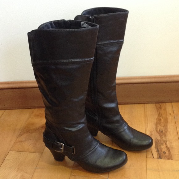 Women's Baretraps Randee Boots ~Size 9 Wide Calf