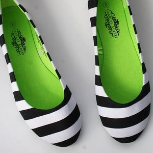 Charles Albert Shoes - Striped flats black white stripe classic clean