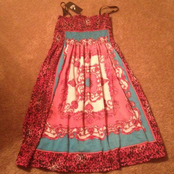 Julie Dresses & Skirts - BNWT Julie dress