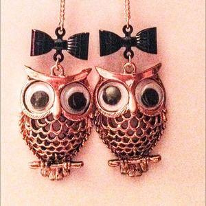 Betsey Johnson big owl black bow dangle earrings