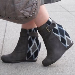 80%20 Tessa Booties with Diamond print