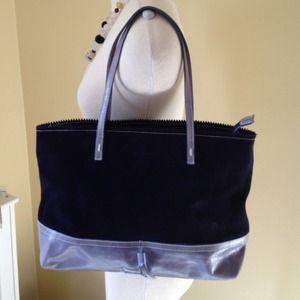 Les Copains Handbags - ⬇️Italian leather Les Copains hangbag!