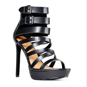 Shoes - Sexy black strappy heels 6.5