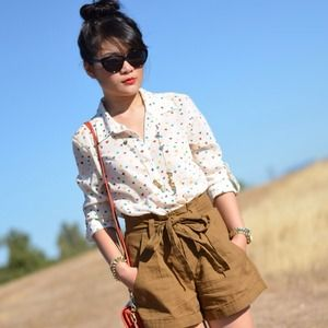 Tops - Multi color heart blouse shirt button up