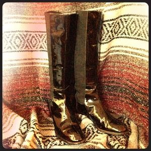 RALPH LAUREN BLACK PATENT LEATHER BOOTS SIZE 6.5